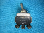 microswitch toggle switch  MS25068-3 7664K3 7040
