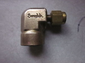 Swagelok elbow tube fitting B 200 8 4 Tube x Female NPT steel
